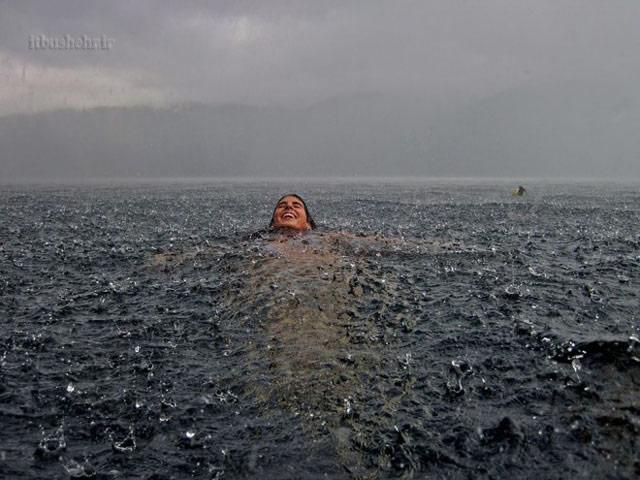 بین باران و دریا